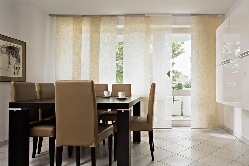 Individuelle Flächenvorhänge für elegantes Wohndesign und ...