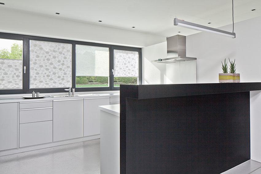 Plissee der einzigartige licht und sonnenschutz for Plissee küche